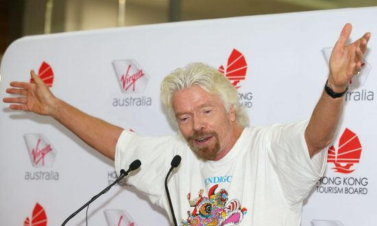 Billionaire Branson Targeted in $5 Million Scam 'Straight out of Le Carre'