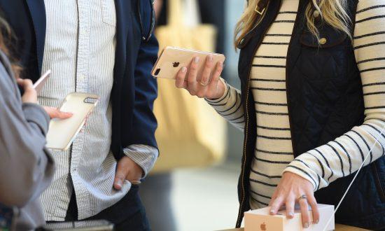 US Buyers Favor iPhone 7 Over iPhone 8