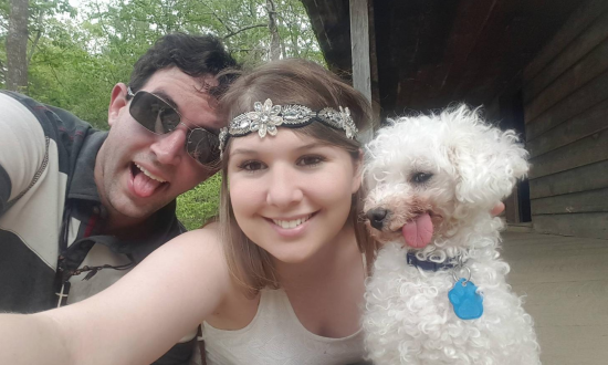 Couple rescues dying old dog. But when they see him on the driveway—realize they were very wrong
