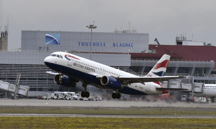 An Airbus A320 of British Airways airline takes off from the Toulouse-Blagnac airport, near Toulouse, on October 19, 2017. (Pascal Pavani/AFP/Getty Images)