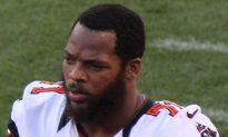 Michael Bennett Responds to NFL Meeting, Says He'll Protest