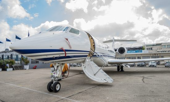 Russian Company Rents Grounded Private Jet for Photo Shoots