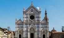 Piece of Italian Basilica Falls Off, Kills Spanish Tourist