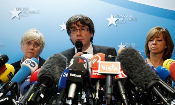 Sacked Catalan leader Carles Puigdemont attends a news conference at the Press Club Brussels Europe in Brussels.  (Reuters/Yves Herman)