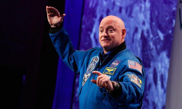 Capt. Scott Kelly speaks at LocationWorld in New York City.  (Brian Ach/Getty Images for LocationWorld 2016)