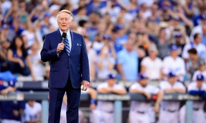 Former Los Angeles Dodgers broadcaster Vin Scully speaks to fans before game two of the 2017 World Series between the Houston Astros and the Los Angeles Dodgers at Dodger Stadium in Los Angeles on Oct. 25, 2017. (Harry How/Getty Images)