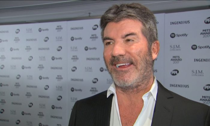 Simon Cowell attends the Music Industry Trust Awards in London, U.K., on Nov. 6, 2017. (Video screenshot/Reuters)