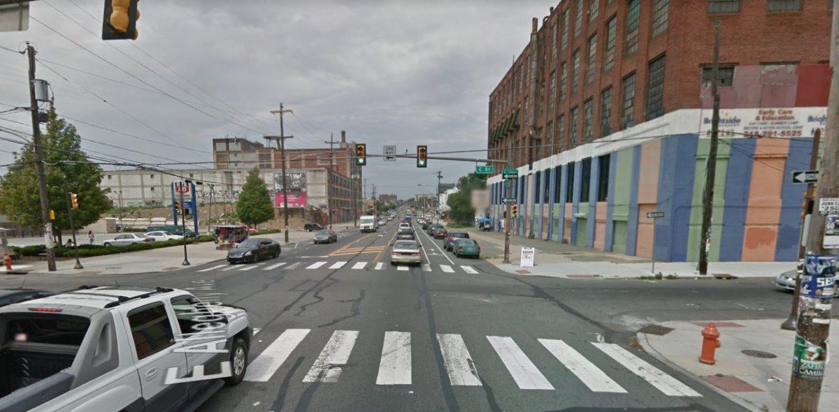 4 Police Officers in Philadelphia Hurt in 2-car Crash