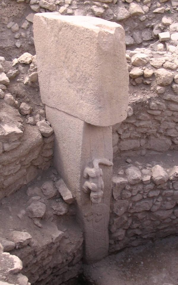 A pillar at Göbekli Tepe. (Public domain)