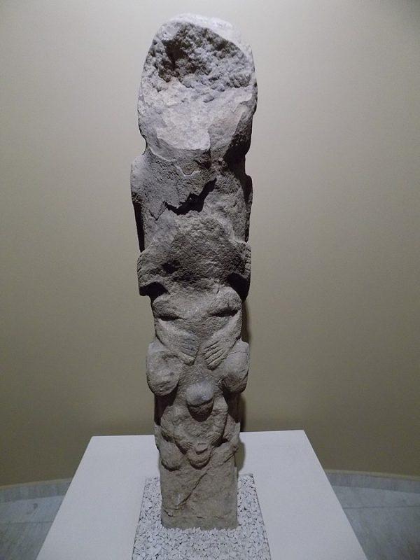 A totem from Göbekli Tepe. (Cobija/CC BY-SA)