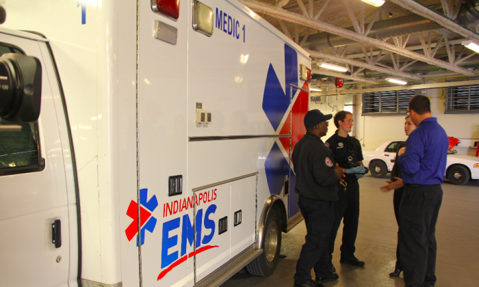 Indianapolis EMS staff talk with Project Point members at the Sidney & Lois Eskenazi Hospital  emergency department, Indianapolis in this file photo. (Courtesy of Project Point)