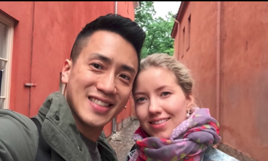 Man flies across the world to surprise his girlfriend in the most beautiful way