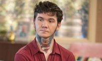 Man With Neck Tattoo Says He Can't Find a Job