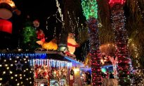 'Don't Be a Grinch': City Officials Asked to Stop Meddling in Christmas Traditions