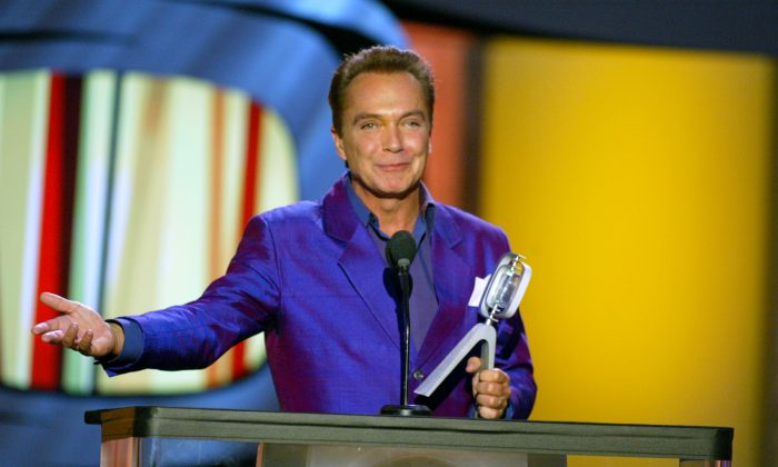 "Actor David Cassidy accepts his Hippest Fashion Plate, Male award for ""The Partridge Family"" during the TV Land Awards 2003 at the Hollywood Palladium in Hollywood, Calif., on March 2, 2003. (Kevin Winter/Getty Images)"