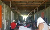 Papua New Guinea Police Evict Remaining Asylum-Seekers From Australian-Run Detention Camp