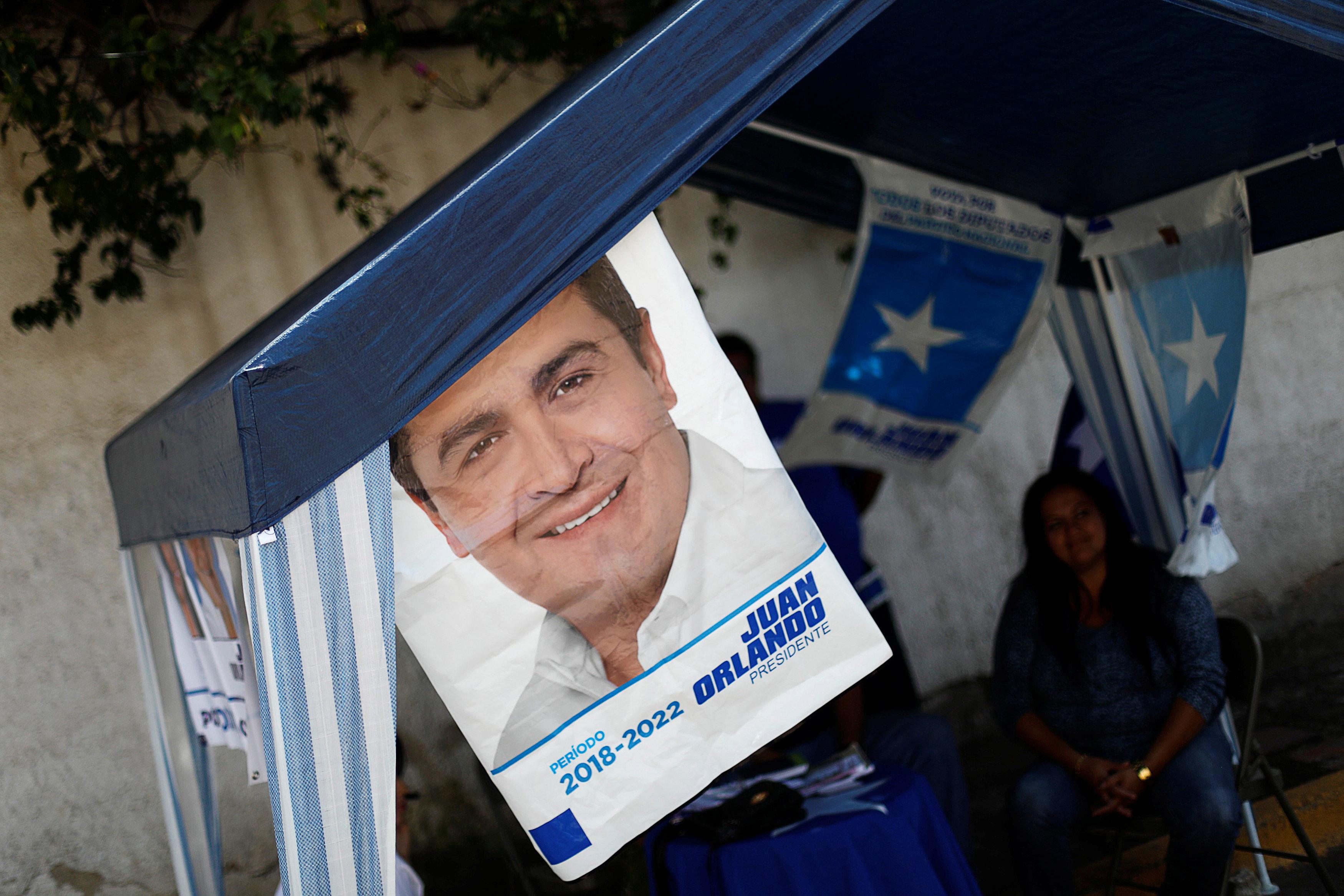 incumbent strong as hondurans go to polls despite power grab