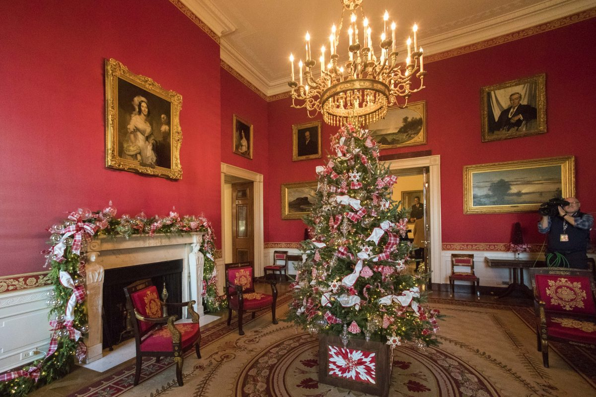 christmas decorations at the white house in washington on nov 27 2017 samira bouaouthe epoch times
