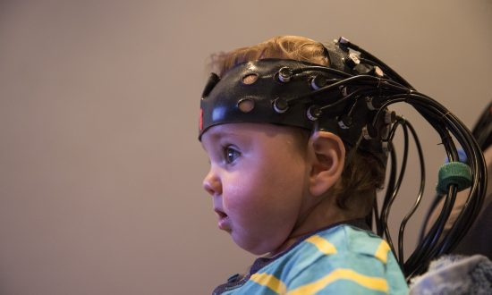 Study Shows Adults and Babies Synchronize Brain Waves Through Eye Contact