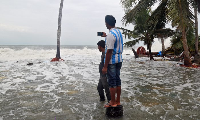 Death toll from Cyclone OKHI rises to 13 in Sri Lanka
