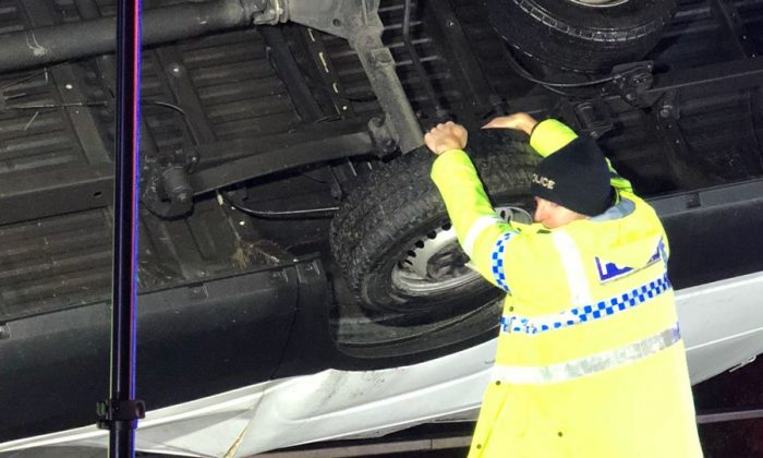 Police officer saves lorry from motorway bridge fall with his bare hands