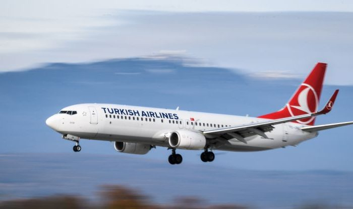 A Boeing 737-800 commercial plane registration TC-JVL of Turkish Airlines is seen landing at Geneva Airport on November 20, 2017 in Geneva. / AFP PHOTO / Fabrice COFFRINI        (Photo credit should read FABRICE COFFRINI/AFP/Getty Images)