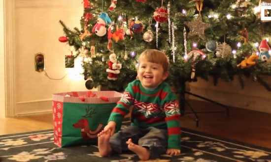 Toddler's reaction to getting broccoli for Christmas is the most precious thing you'll see