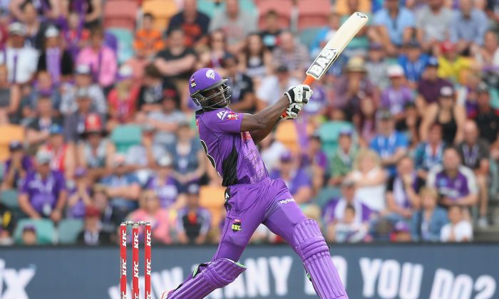Daren Sammy of the Hurricanes bats during the Big Bash League match between the Hobart Hurricanes and the Perth Scorchers at Blundstone Arena on Jan 10, 2016 in Hobart, Australia. (Quinn Rooney/Getty Images)