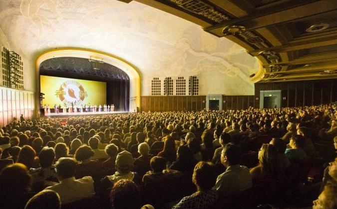 Shen Yun Performing Arts at Bridges Auditorium in Claremont. (Alex Lee/Epoch Times)