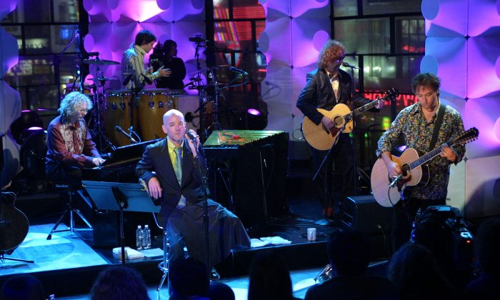 """R.E.M. performs on MTV """"Unplugged"""" at the MTV studios in New York City on May 21, 2001. (Scott Gries/ImageDirect)"""
