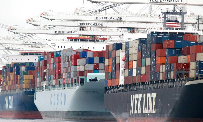 Container ships are docked in the Port of Oakland in this file photo. (Justin Sullivan/Getty Images)
