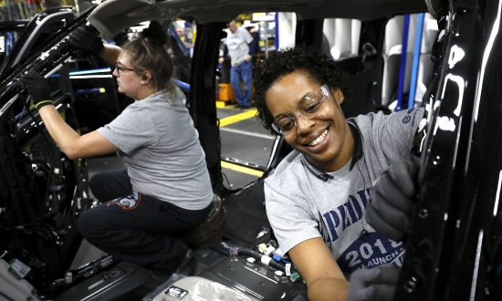 Ford workers at the assembly line at the Ford Kentucky Truck Plant in Louisville, Kentucky, on Oct. 27 2017. (Bill Pugliano/Getty Images)