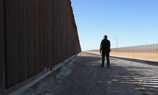 CBS News Reporter Sees Illegal Border Crossing, Gets Threatened