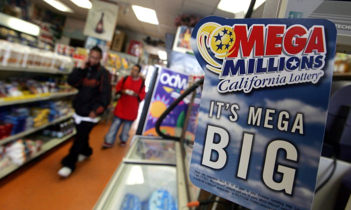 An advertisement for the Mega Millions lottery is seen in San Francisco, Calif., on June 23, 2005. (Justin Sullivan/Getty Images)