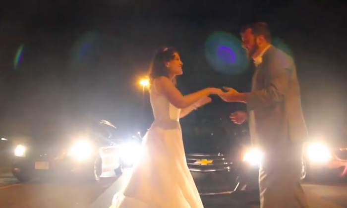 Newlywed couple turns traffic jam into a memory they'll never forget
