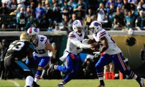 Bills QB Tyrod Taylor Suffers Major Hit, Taken out at End of Wild Card Playoff Game