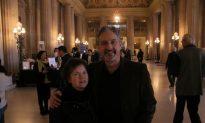 Dentist Finds Shen Yun 'Brilliant and Vivid'