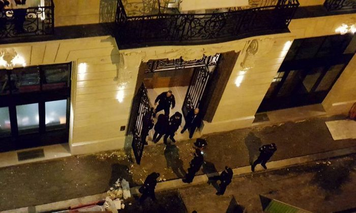A general view of the scene after axe-wielding robbers stole jewelry on Wednesday from a store in the famed Ritz Paris hotel in Paris, France, Jan. 10, 2018 in this picture obtained from social media. (Courtesy of Davy Parker/via Reuters)