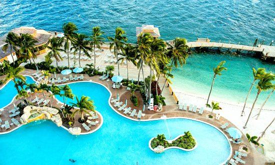 Bahamas: Paradise Island Celebrates an Anniversary