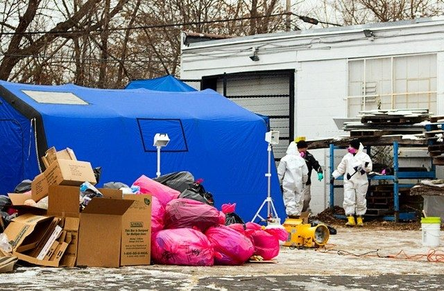 FBI agents search the premises during a December 2013 raid on Arthur Rathburn's warehouse in Detroit, Michigan. (REUTERS/Steve Neavling/File Photo)