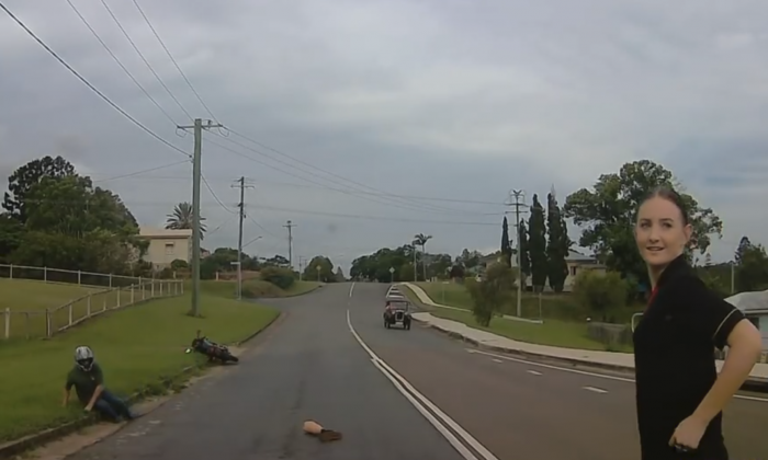 Baleigh Campbell stopped to help a man who had seemingly lost his leg in Queensland, Australia.  (Screenshot via Baleigh Campbell/YouTube)
