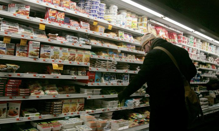 Voluntary sodium targets for the food industry have failed to significantly reduce the amount of salt consumers are getting in processed foods, Health Canada says. (AP Photos/Bebeto Matthews)