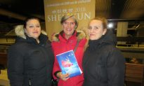 Ceramic Artist Lauds Shen Yun's Beautiful Colors and Visuals
