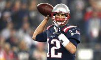 Tom Brady Won't Talk About Injured Right Hand