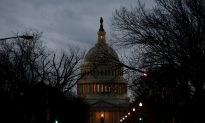 US Government to Remain Closed on Monday as Senate Still Short of Deal