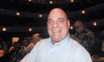 Company President Enjoys Celebration of Life at Shen Yun