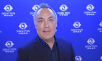 CEO Enjoys the Chinese History at Shen Yun