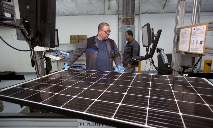 Trump slaps tariffs on foreign solar panels and washing machines