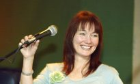 Country Singer Lari White Dies at 52 After Cancer Battle