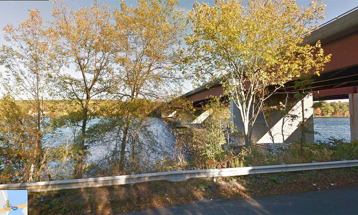 The I-290 bridge over Lake Quinsigamond, facing the Shrewbsury shore.  (Screenshot via Google Maps)